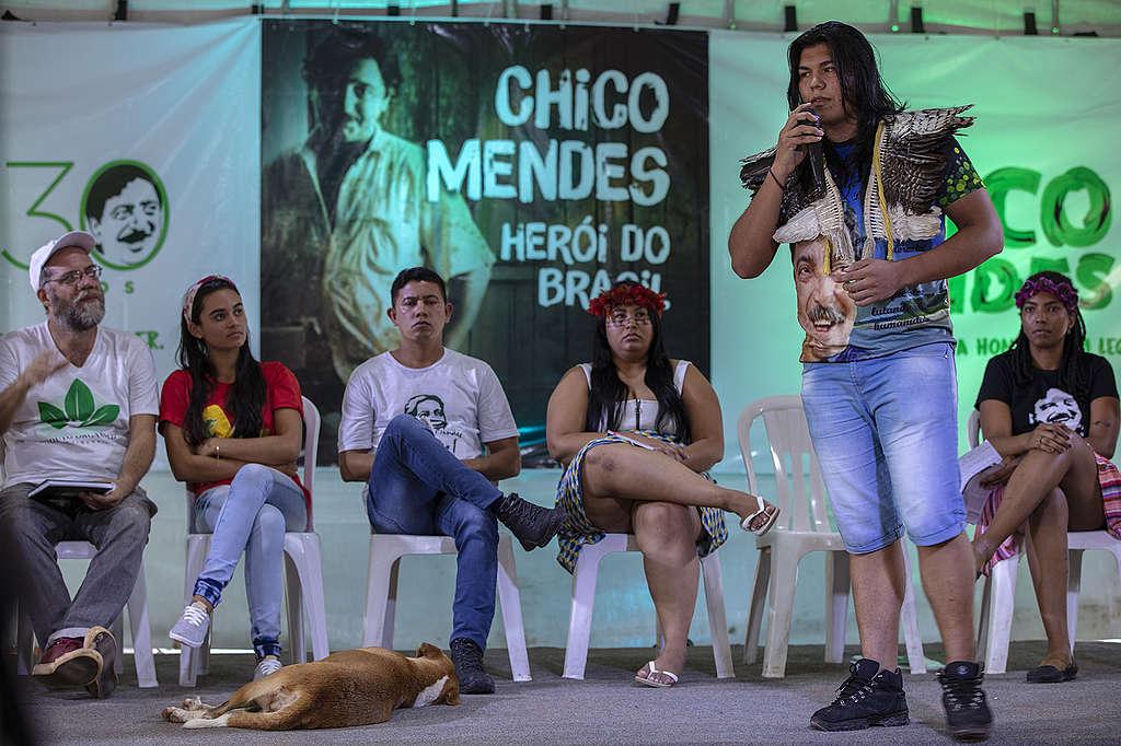 Jovens lideranças no encontro para defender o legado de Chico Mendes, em Xapuri