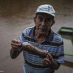 Agricultura familiar seca diante de um rio Paraopeba morto