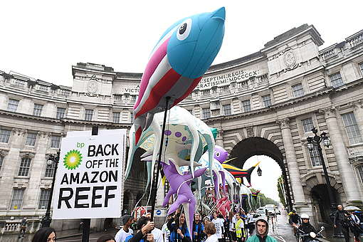 Giant Creatures Parade to BP HQ in London. © Chris J Ratcliffe / Greenpeace