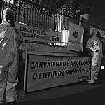 Voluntários do Rio Grande do Sul realizam ação pacífica contra a instalação de mina de carvão