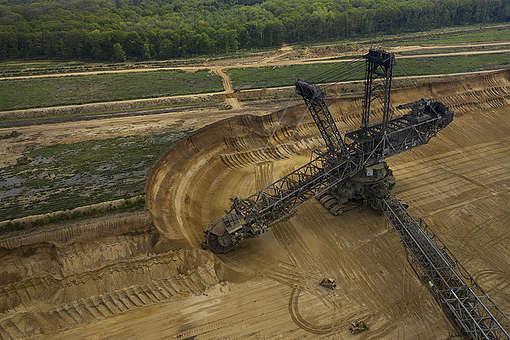 Aerial of Open Pit Mining Garzweiler II near Hambach Forest. © Greenpeace