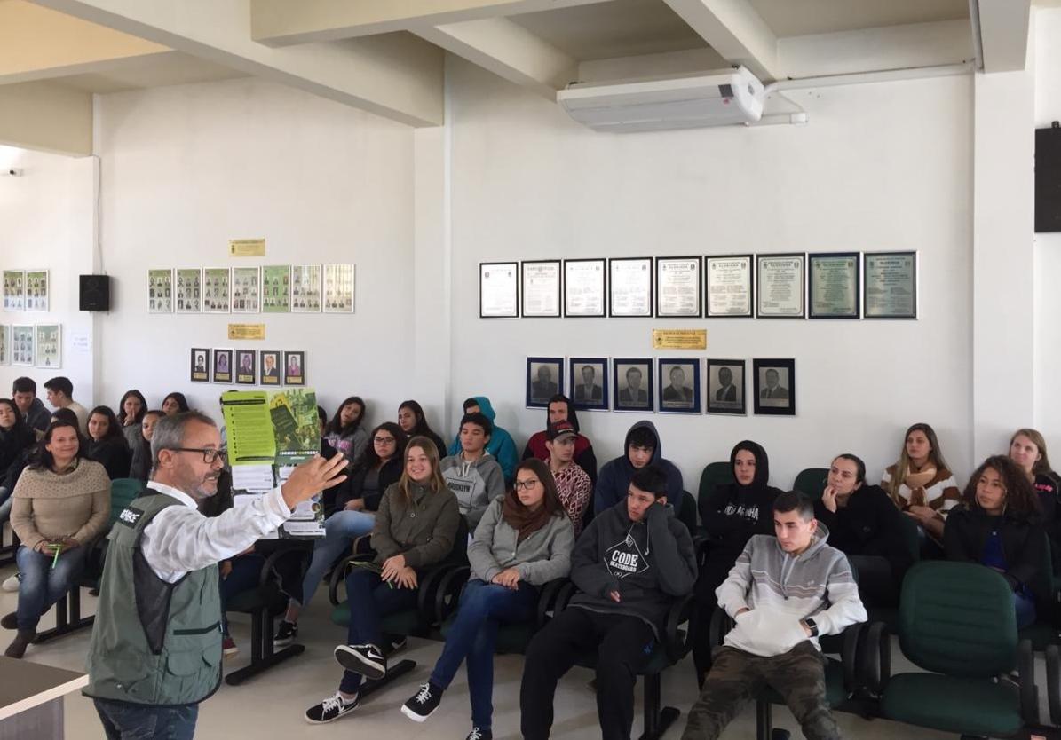 Valcedi de Souza, em palestra pelo Dia Internacional do Meio Ambiente e Dia Nacional da Reciclagem - Junho, 2019)