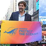 """""""Nossos oceanos precisam de nós"""", diz o Javier Bardem"""