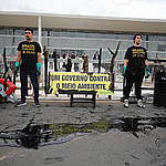 Crise do óleo e da Amazônia: Greenpeace realiza ação contra desmonte ambiental