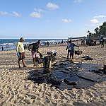 grande mancha de óleo na praia de Recife