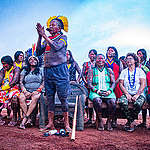 O cacique Raoni reunido com as 450 lideranças, de 45 povos indígenas.