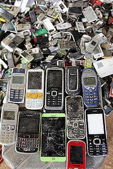 Bantar Gebang Electronic Waste. © Supri / Greenpeace