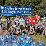 65% des répondants au sondage affirment que les gouvernements doivent agir plus vite et bannir le plastique à usage unique