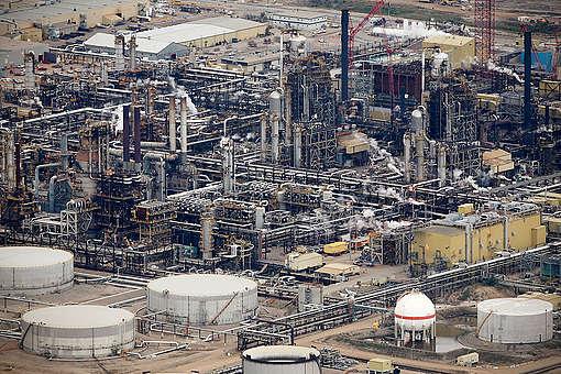 Oil Refinery in the Alberta Tar Sands. © John Woods
