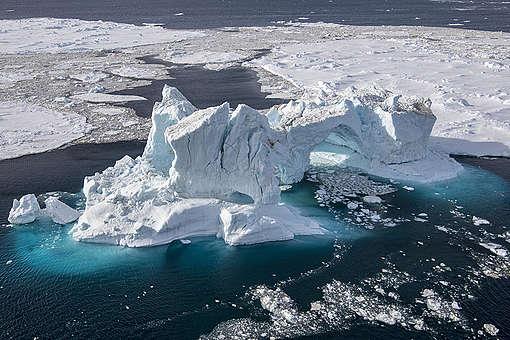 Aerial View of Weddell Sea in the Antarctic. © Daniel Beltrá