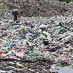 RÉACTION: Le Canada doit cesser d'envoyer ses déchets plastiques vers les pays du Sud