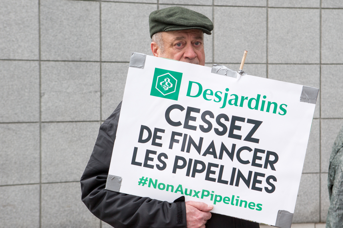 #NoToPipelines Action at Desjardins General Assembly in Quebec. © Greenpeace