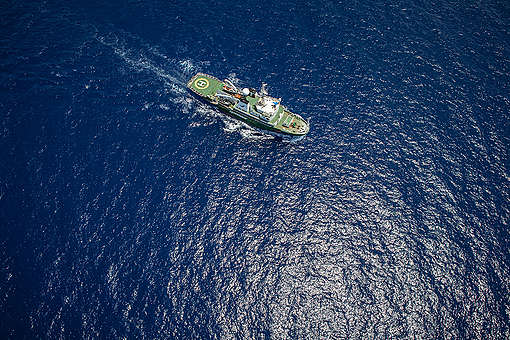 MY Esperanza in the Indian Ocean. © Will Rose / Greenpeace