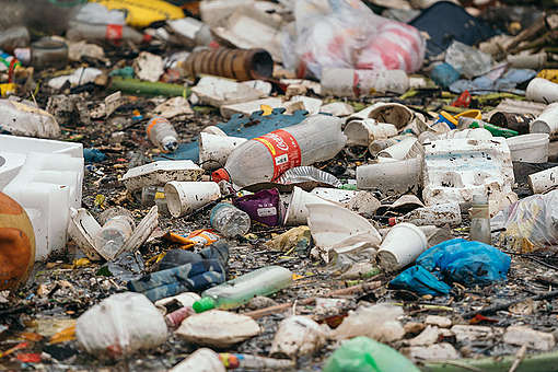 Plastic and Other Rubbish in the Pasig River, Philippines. © Greenpeace