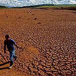 """Greenpeace por anuncio del gobierno ante crisis hídrica: """"El país se seca y por eso el agua debe convertirse prioridad nacional"""""""