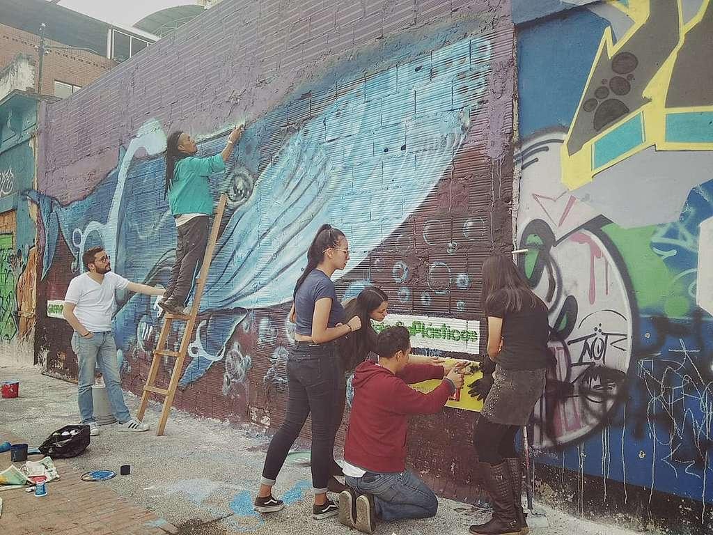 Muralismo Como Medio De Comunicacion Ambiental Y Popular El