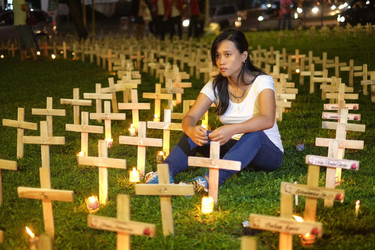 Joanna Sustento at Typhoon Haiyan Commemoration in the Philippines. © Roy Lagarde