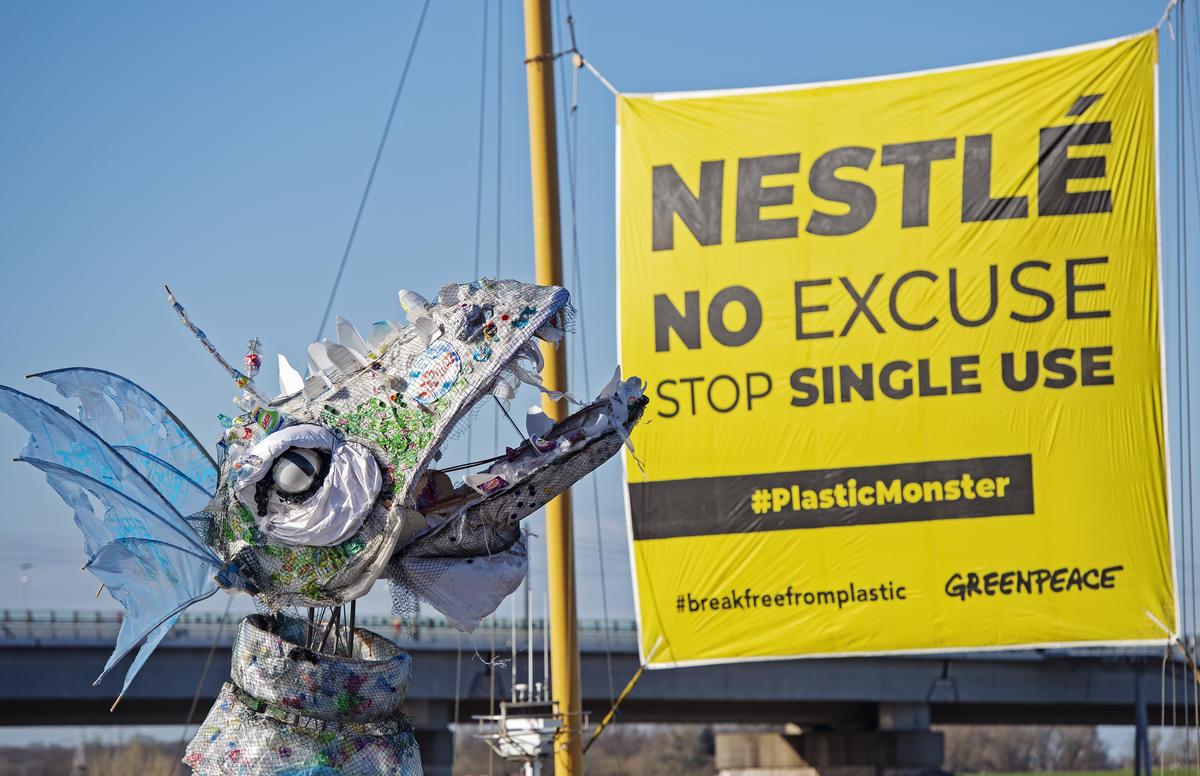 Plastival in Nijmegen. © Marten van Dijl / Greenpeace
