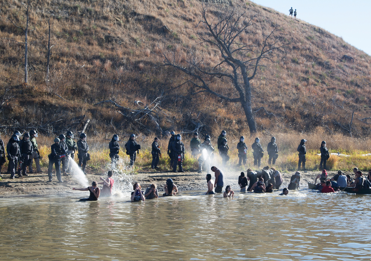 Water Protectors Dakota Access Pipeline Protests Continue. © Richard Bluecloud Castaneda / Greenpeace