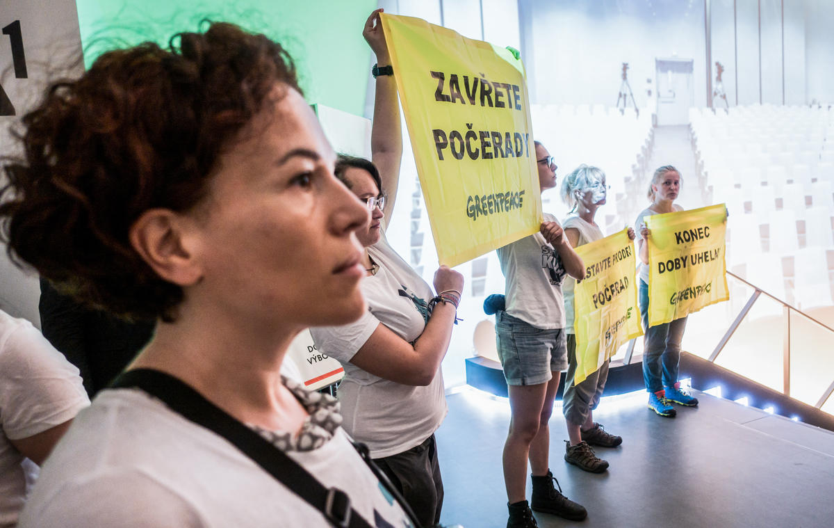 Protest at ČEZ AGM in Prague. © Petr Zewlakk Vrabec / Greenpeace