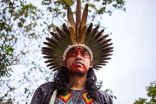 Chief Mapu of Huni Kuin Tribe in Brazil. © Denisa Šterbová / Greenpeace