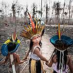 Members of the Huni Kuin Tribe in Brazil. © David Tesinsky / Greenpeace