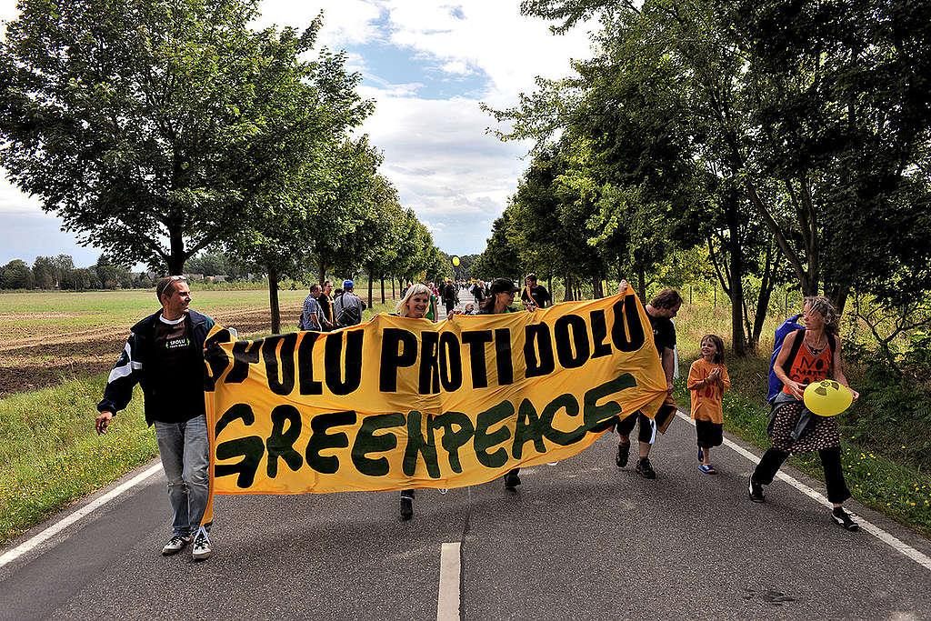 'Human Chain Against Coal' in Kerkwitz. © Ibra Ibrahimoviç / Greenpeace