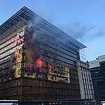 Tohle je klimatická krize. Greenpeace vítá Babiše a další lídry EU vizí spálené budoucnosti