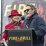 Fourteenth Fire Drill Friday in Washington DC. © Tim Aubry / Greenpeace