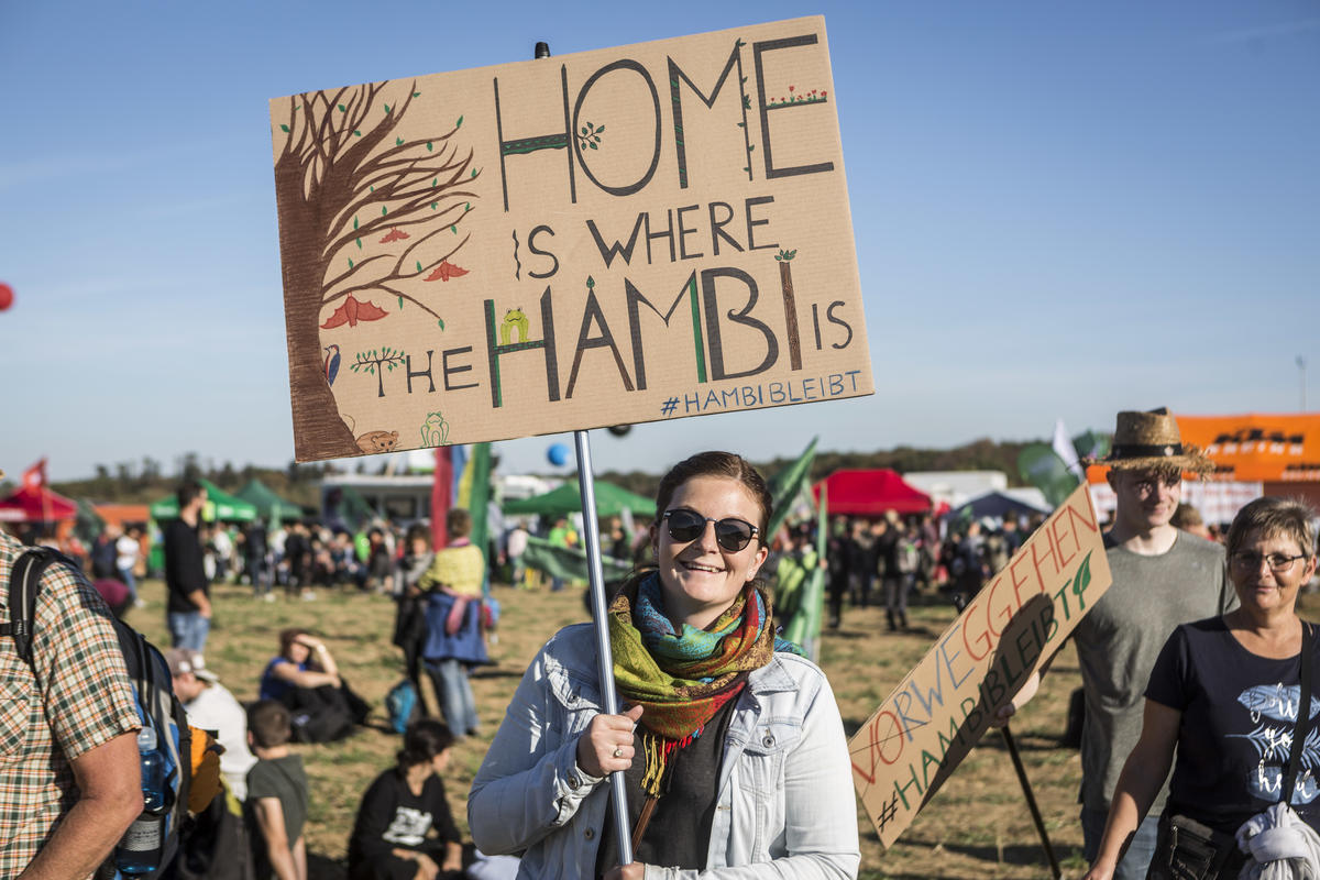 Demonstration for Climate Protection and Hambach Forest. © Bernd Lauter