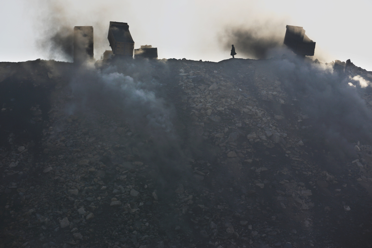 Coal Mining in Shanxi. © Lu Guang / Greenpeace