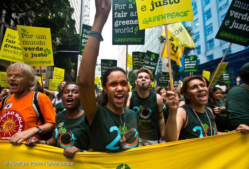 """Greenpeace'in gücü... """"Bu Greenpeace eylemleri nasıl sonuçlanıyor acaba?"""""""