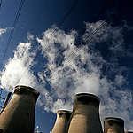 Ferrybridge Power Station in the UK. © Steve Morgan / Greenpeace