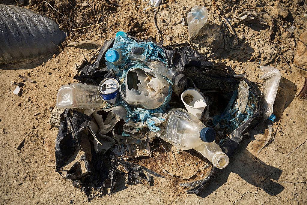 Landfill Site in Zakynthos. © Constantinos Stathias / Greenpeace