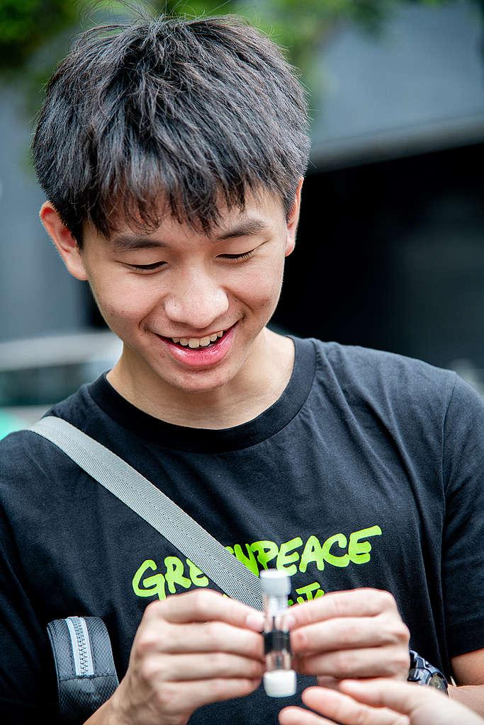 公民科學家出動。© Fung Pik Yee / Greenpeace