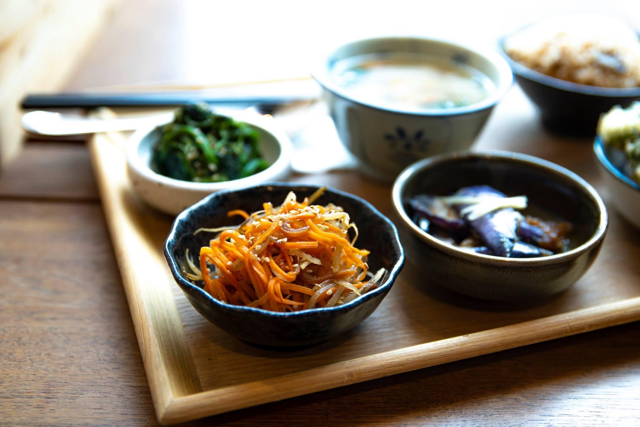 日式素食餐廳擺設精緻且味道清新可口,而且大部分菜式採取家常的食材,會讓人感覺就像是在家中吃飯一般。©Mum Veggie Cafe