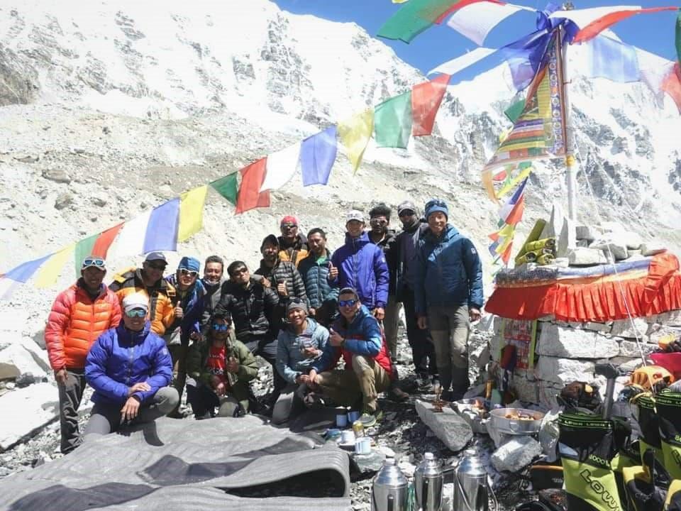 登山前的祈福儀式