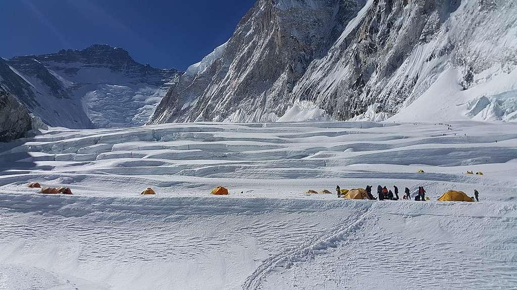 標高5,943米的1號營地