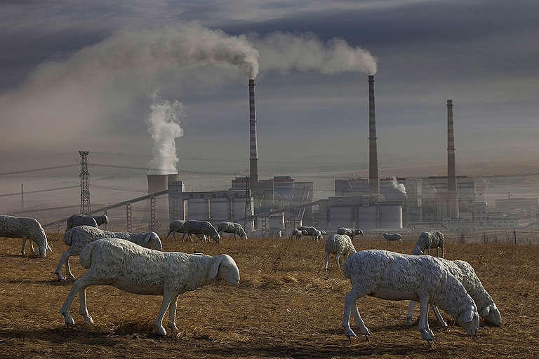 Open-pit Coal Mining in Inner Mongolia. © Lu Guang