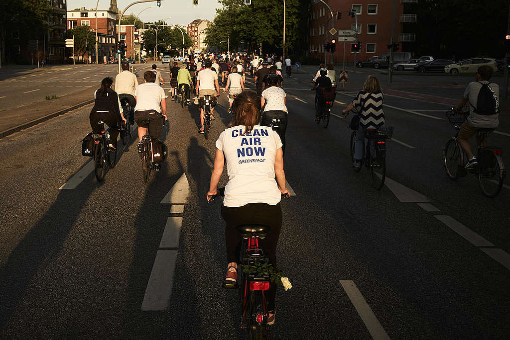 "Bike ""Ride of Silence"" for Safe Urban Infrastructures in Germany. © Carlos Fernández Laser"