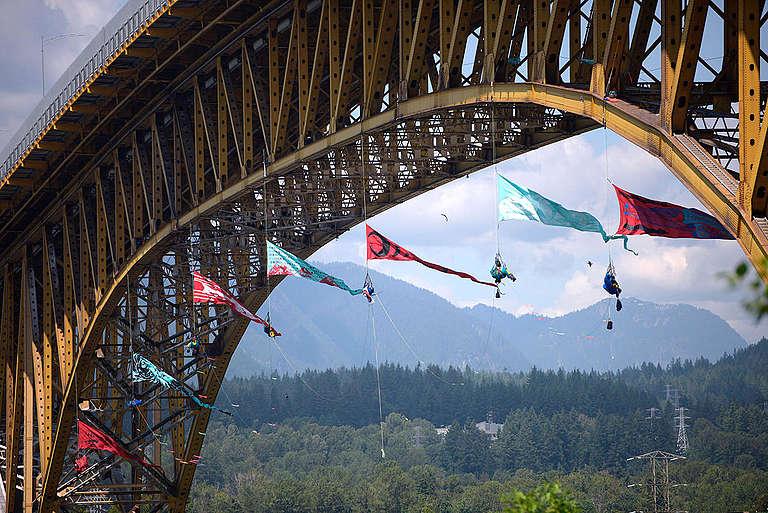 Bridge Blockade in Vancouver. © Anonymous
