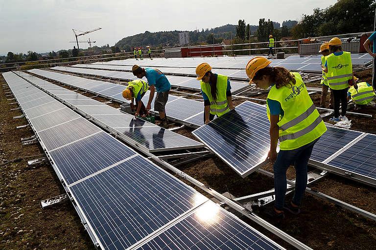 Solar System Installation in Derendingen. © Nicolas Fojtu