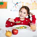 Bio- és helyi élelmiszereket, valamint kevesebb, de jó minőségű húst kínálnak a bécsi menzákon a gyerekeknek