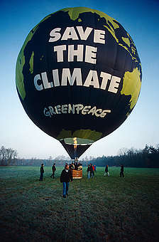 Greenpeace Climate Balloon in the UK