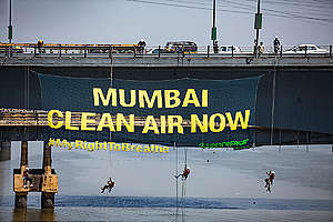 Break Free from Air Pollution Action in Mumbai