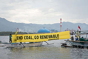 Rainbow Warrior Rejecting Coal Power Plant in Northern Bali. © Made Nagi