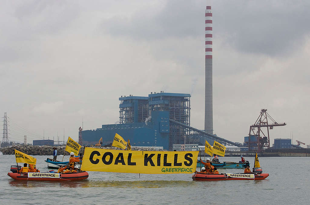 Greenpeace Inflatables At Cilacap Coal Plant. © Greenpeace / Ardiles Rante