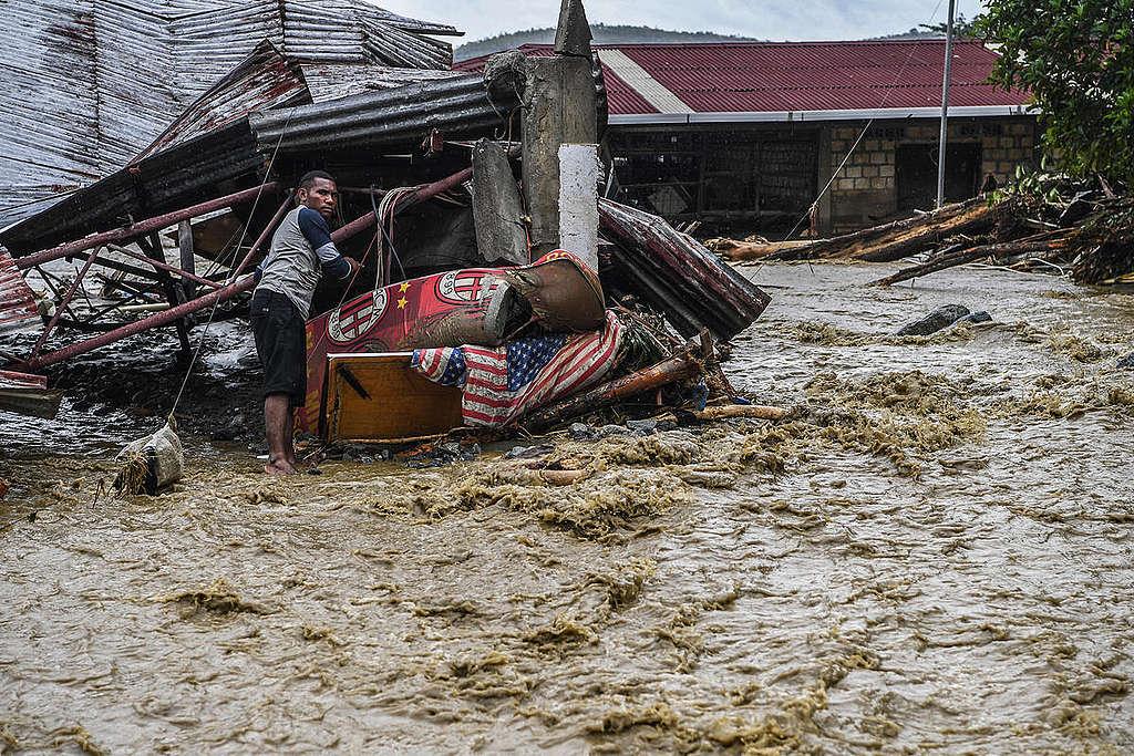 Flash Floods in Papua. © Greenpeace