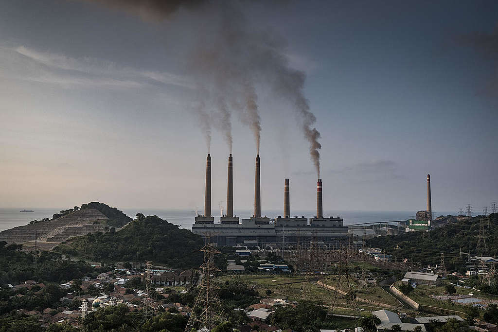 Coal Power Plants in Suralaya, Indonesia. © Ulet Ifansasti / Greenpeace
