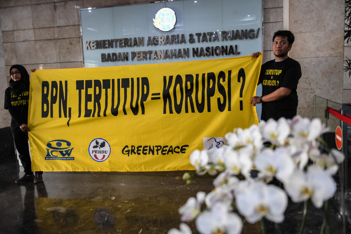 Forest Concession Transparency Protest in Jakarta. © Jurnasyanto Sukarno / Greenpeace